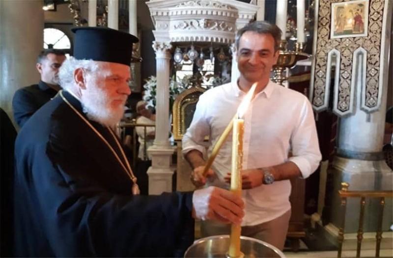 Κυριάκος Μητσοτάκης: Στον Εσπερινό της Τήνου βρέθηκε ο πρωθυπουργός!