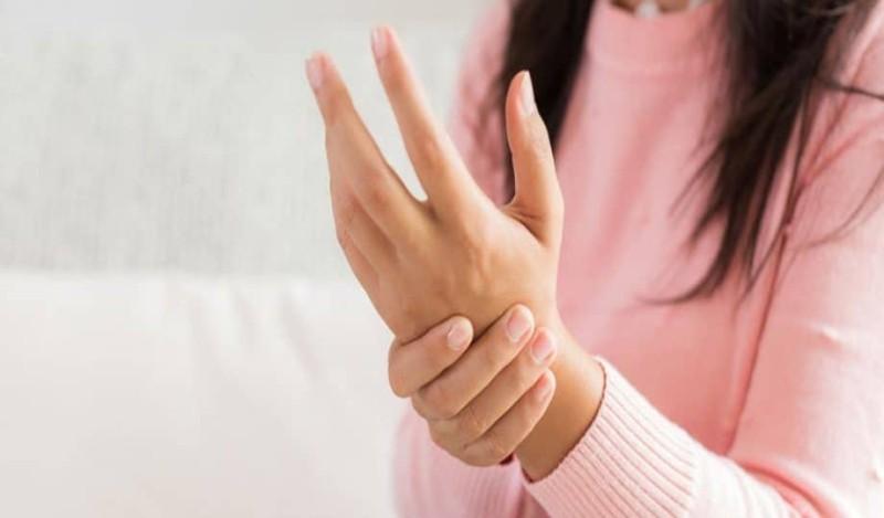 Για ποιούς λόγους μουδιάζουν τα χέρια μας;