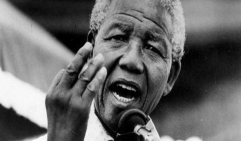 Σαν σήμερα γεννιέται ο Νέλσον Μαντέλα!