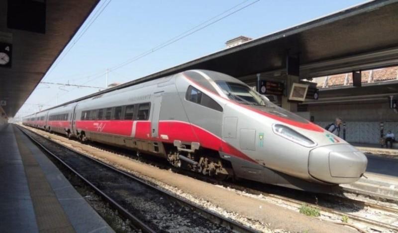 Αθήνα - Θεσσαλονίκη πιο φτηνά με αεροπλάνο παρά με τρένο!