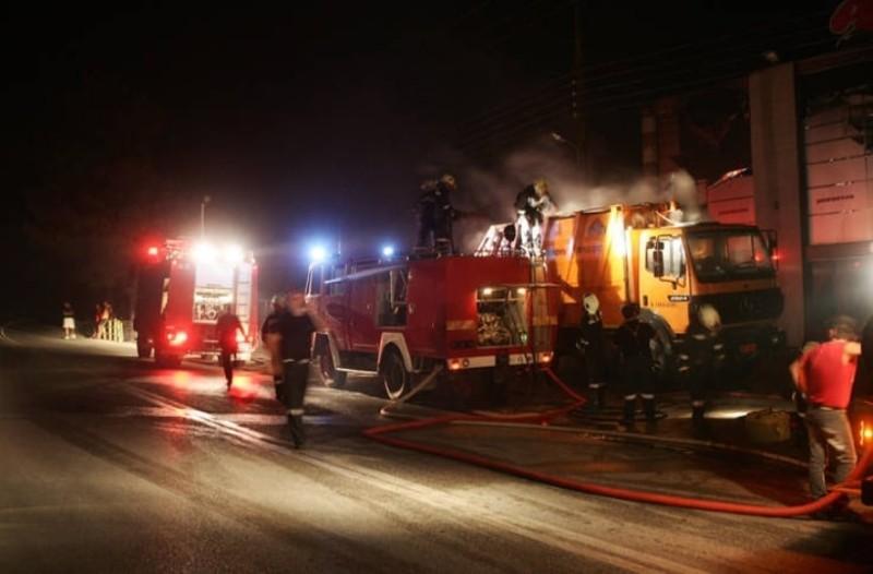 Φωτιά σε διώροφο σπίτι στην Εύβοια!