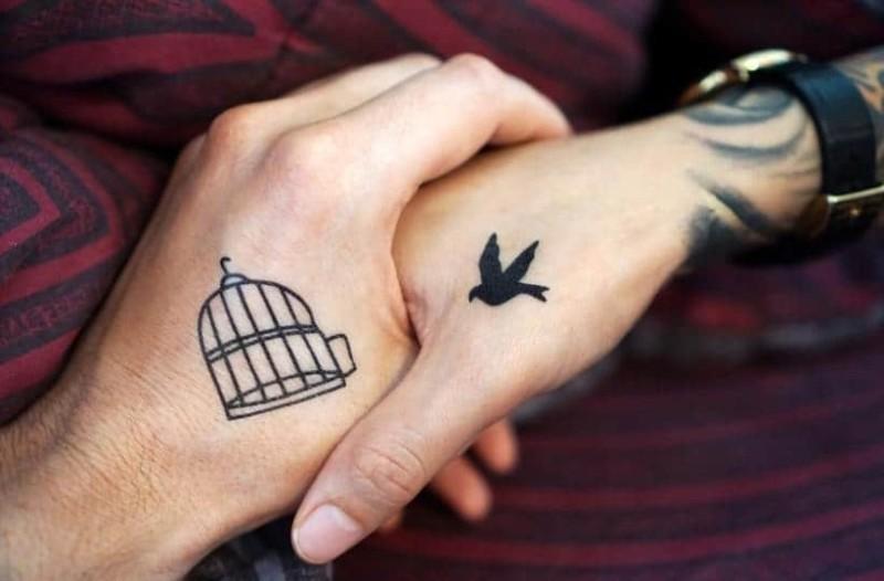 Αυτός είναι ο λόγος που απαγορεύεται να κάνετε τατουάζ το καλοκαίρι!