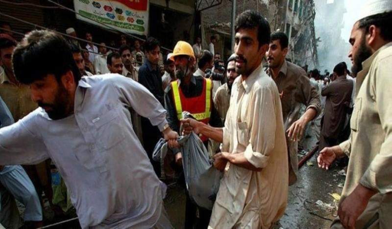 Πακιστάν: Διπλή τρομοκρατική επίθεση με 8 νεκρούς!
