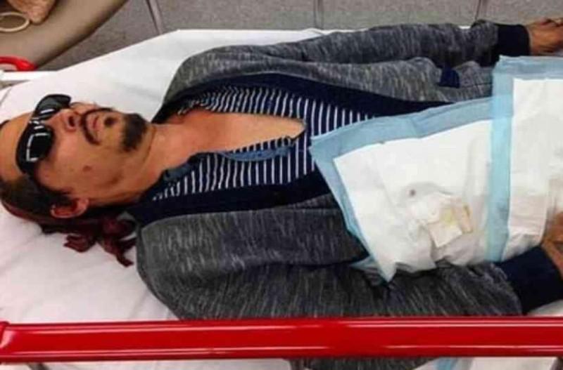 Σε άθλια κατάσταση μεταφέρθηκε στο νοσοκομείο o Τζόνι Ντεπ: ''Έσβησε τσιγάρο στο μάγουλό μου!''