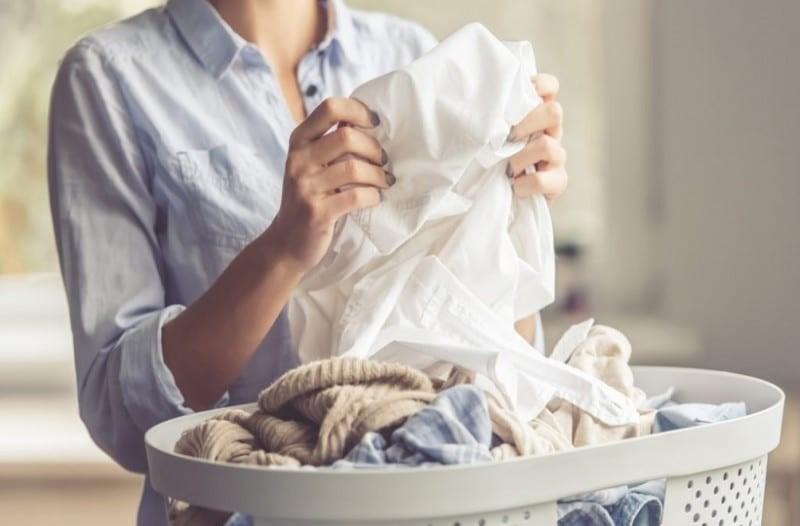 Πόσο συχνά πρέπει να βάζεις τα ρούχα σου για πλύσιμο;