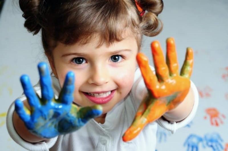 Σύμφωνα με το Χάρβαρντ για να μεγαλώσετε ένα καλό παιδί πρέπει να κάνετε 6 βασικά πράγματα!