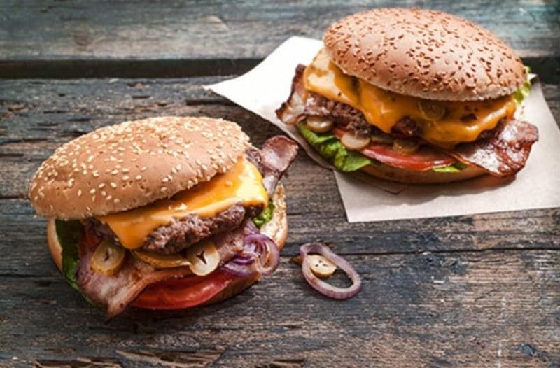 Η πιο εύκολη συνταγή για light burger!