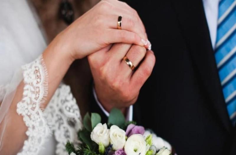 Μήπως τελικά ο γάμος