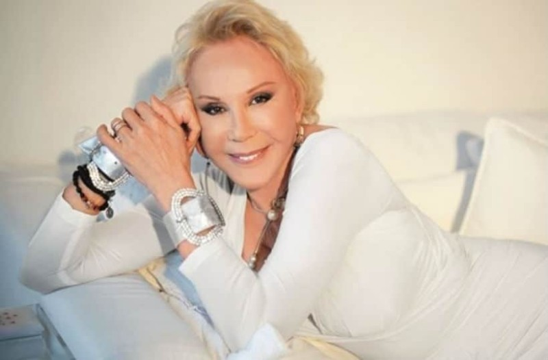 Ζωή Λάσκαρη: Γι αυτό το λόγο φορούσε πάντα λευκά!
