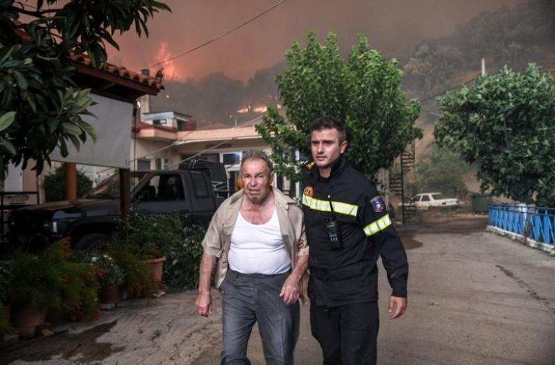 Μεγάλη φωτιά στην Εύβοια: Σε κατάσταση έκτακτης ανάγκης οι κάτοικοι - Ανατριχιαστικές εικόνες!