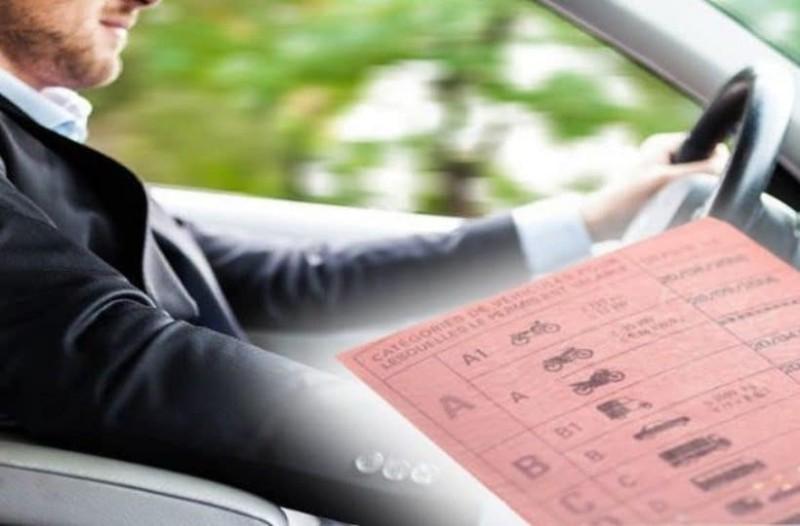 Σας αφορά: Έρχονται αλλαγές σε διπλώματα οδήγησης και συγκοινωνίες!