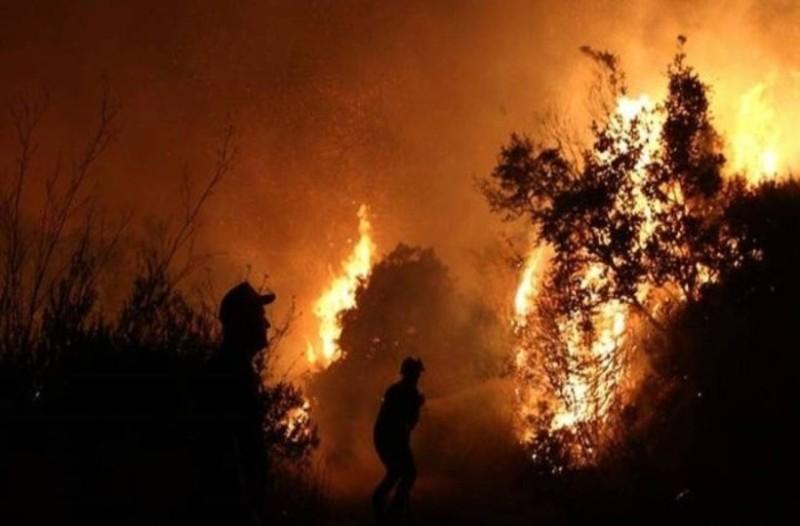 Η συγκλονιστική εικόνα από το κόκπιτ του αεροπλάνου πάνω από τη φωτιά στην Εύβοια!