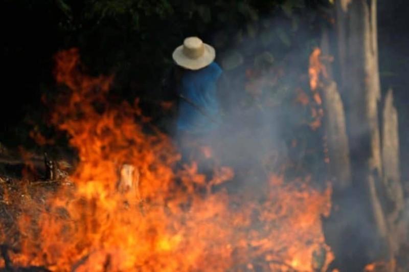 Τραγικό: Φλέγεται ο Αμαζόνιος! Βουτηγμένο στο σκοτάδι το Σαο Παόλο!