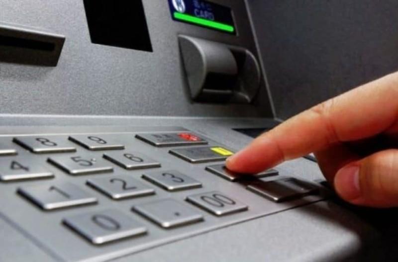 Το είχες σκεφτεί ποτέ; Γιατί τα PIN των καρτών και των ΑΤΜ είναι τετραψήφια;