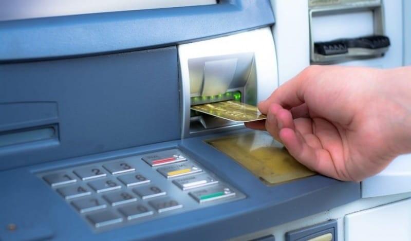 Πηγαίνετε στο ATM και σηκώστε μερικά χρήματα! Ύστερα αφήστε την κάρτα σπίτι -  Ένα μήνα μετά, δε θα πιστεύετε με το αποτέλεσμα!