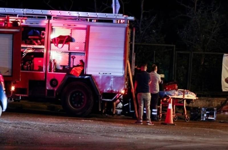 Τροχαίο στο Παγκράτι: Γυναίκα είχε εγκλωβιστεί στις λαμαρίνες!
