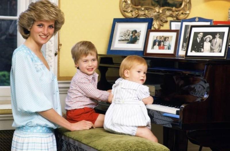 Βόμβα: Ο μπάτλερ της πριγκίπισσας Νταϊάνας αποκαλύπτει ποιος είναι ο πατέρας του πρίγκιπα Χάρι!