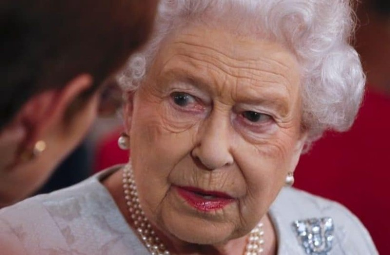 Συναγερμός στο παλάτι: Γιατί η Βασίλισσα Ελισάβετ είναι αναστατωμένη και θυμωμένη;