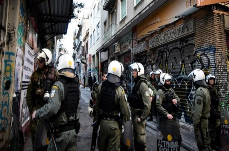 Εξάρχεια: Μεγάλη επιχείρηση της Αστυνομίας σε τέσσερα κατειλημμένα κτήρια (Video)