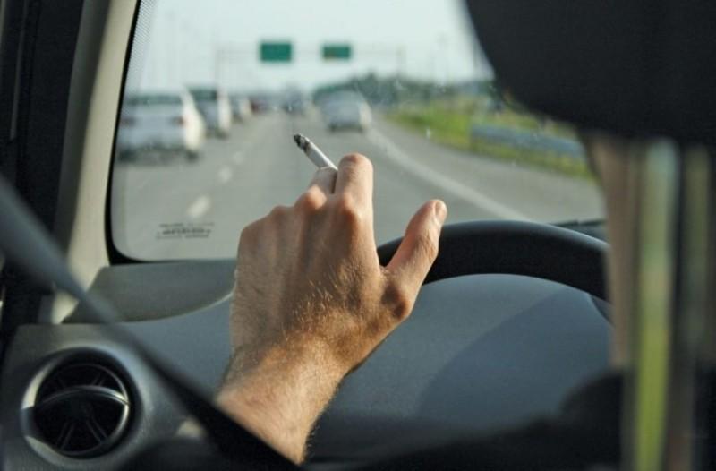 Κάπνισμα στο αυτοκίνητο; Ποτέ ξανά! Δείτε τα νέα πρόστιμα