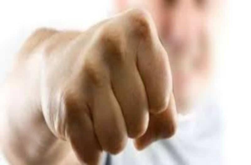 Άγριος καβγάς στην Κύπρο: Μαχητής του MMA «ισοπέδωσε» δύο τουρίστες! (Video)