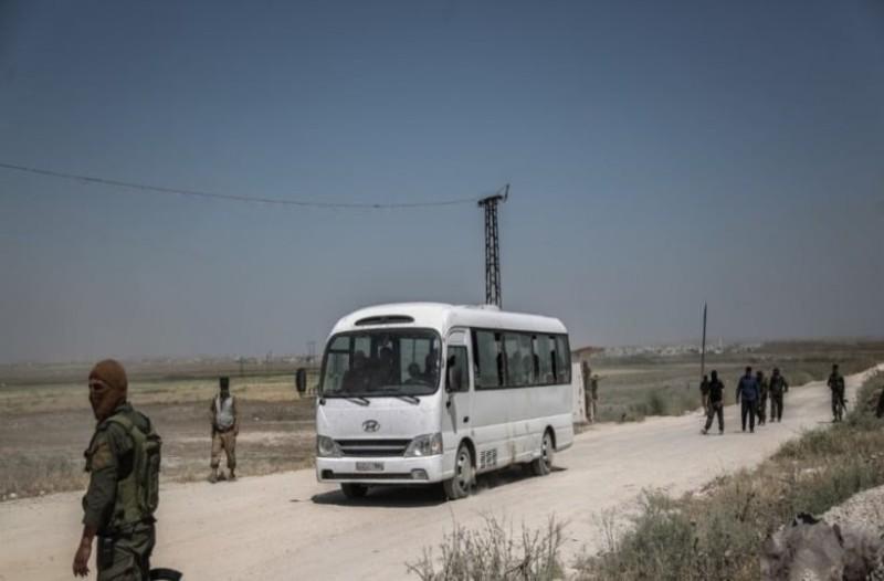 Ιορδανία: Άγνωστος άρχισε να πυροβολεί λεωφορείο! (Video)