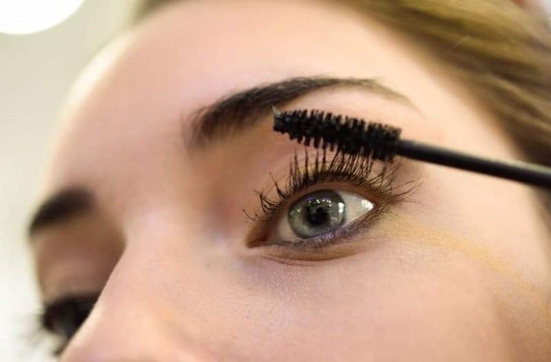 Προσοχή: Eπικίνδυνη η μάσκαρα για τις γυναίκες!