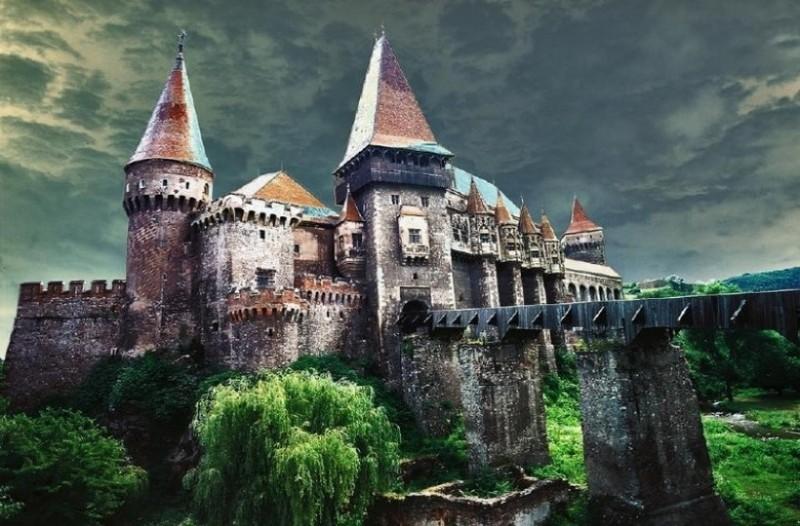 Ποιος ήταν ο Βλαντ ο Παλουκωτής; Η αληθινή ιστορία πίσω από τον μύθο του Κόμη Δράκουλα!
