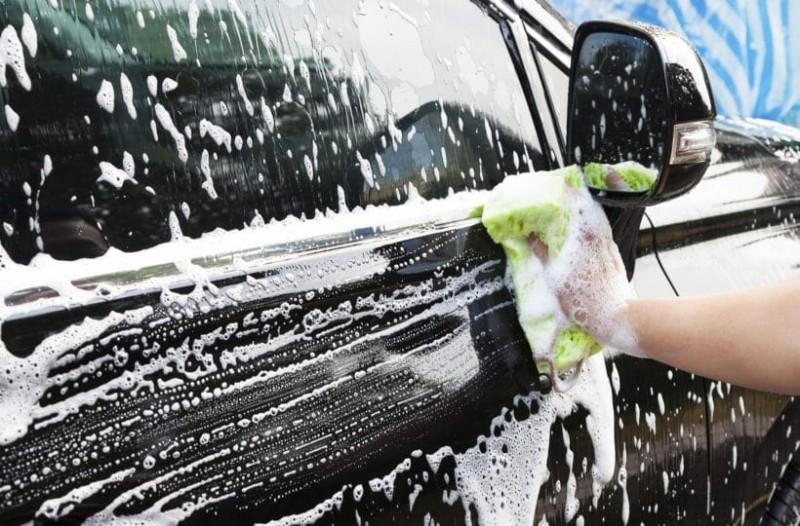 Αυτό είναι το μυστικό για να λάμπουν οι ζάντες του αυτοκινήτου σας!