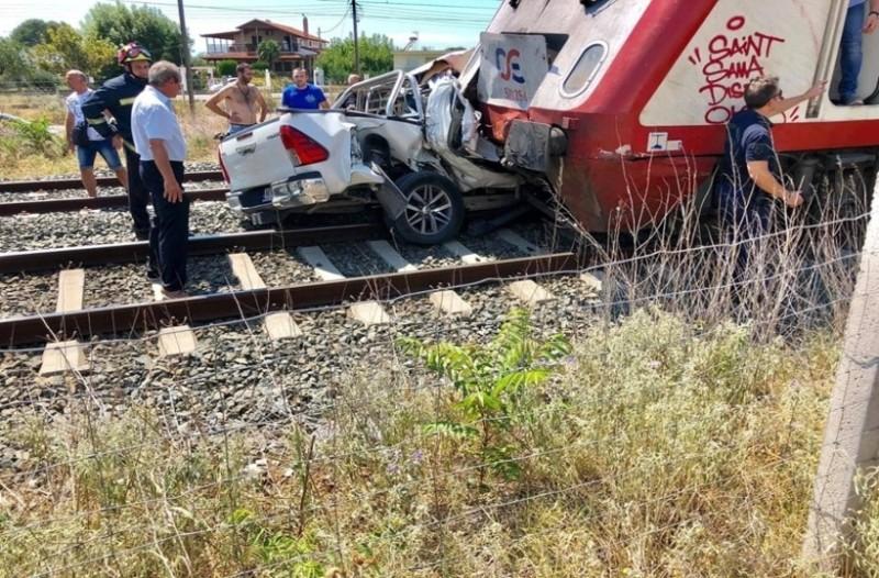 Θεσσαλονίκη: Σύγκρουση τρένου με αυτοκίνητο!