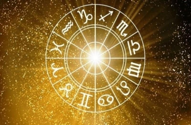 Ζώδια: Τι λένε τα άστρα για σήμερα, Κυριακή 4 Αυγούστου;
