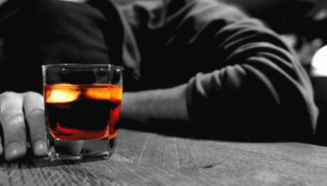 Αποκάλυψη-σοκ: Στους «Ανώνυμους Αλκοολικούς» πασίγνωστος ηθοποιός! (photos)