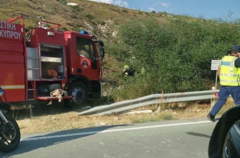 Σοκ: Αυτοκίνητο έπεσε σε γκρεμό!