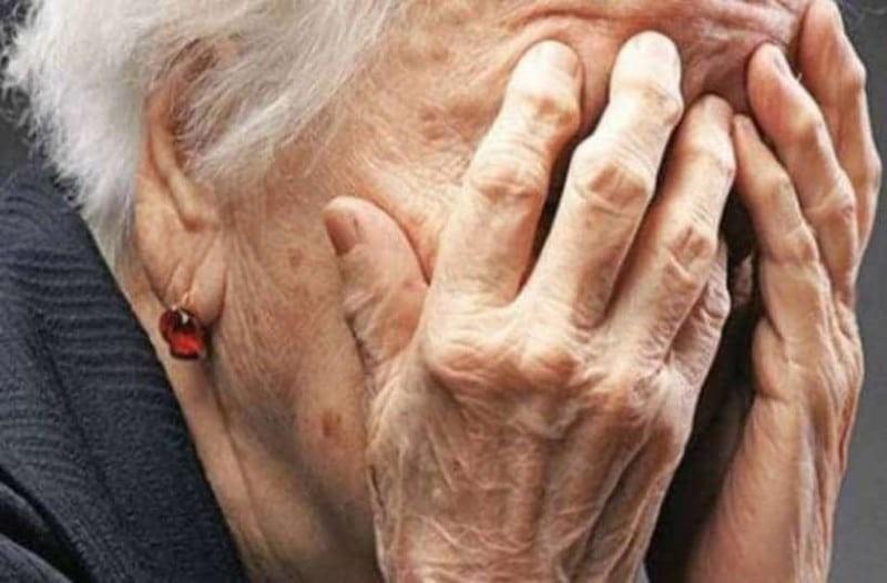 Λαμία: Γενναία ηλικιωμένη χτύπησε με μαγκούρα επίδοξο ληστή!