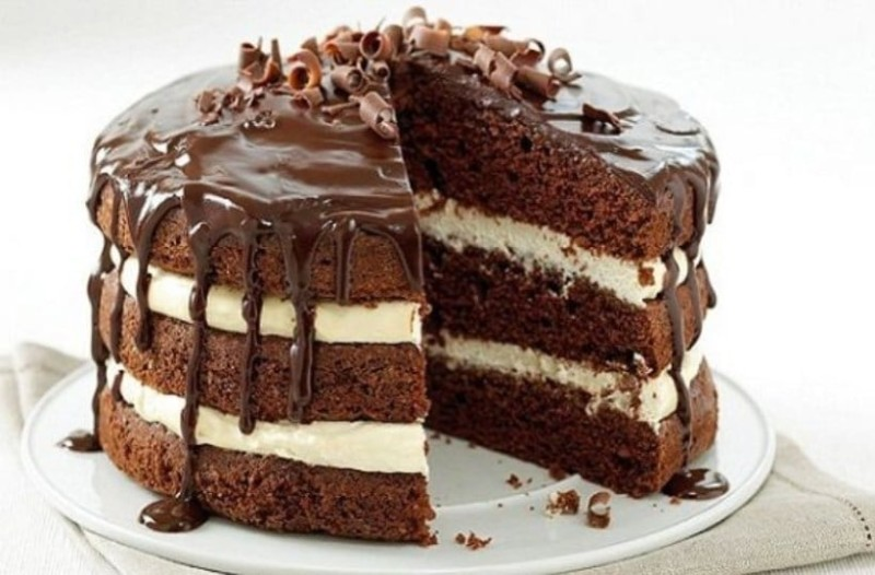 Ξεχάστε τα δημητριακά και τη βρώμη! Η νέα τάση για πρωινό είναι το κέικ σοκολάτας και κάνει θραύση στο εξωτερικό!