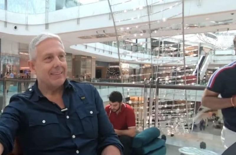Ο Τάσος Δούσης μας ξεναγεί στο μεγαλύτερο mall του κόσμου! (Video)