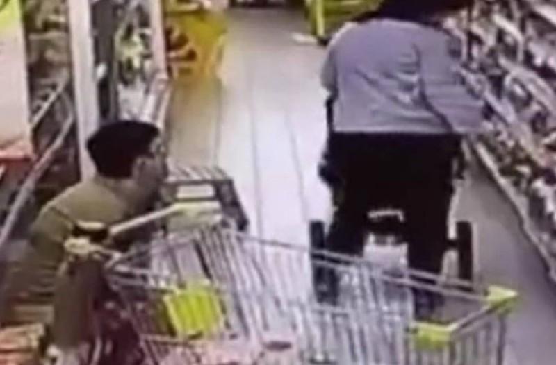 Μόλις δείτε αυτό το βίντεο δεν θα ξανά ψωνίσετε από το ψυγείο του σουπερμάρκετ…