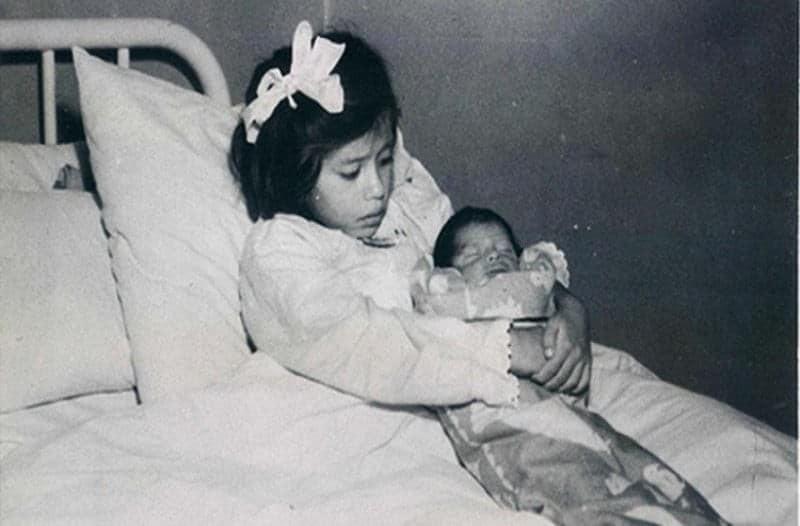 Τραγική ιστορία: Η 5χρονη που έγινε η νεαρότερη μητέρα στην ιστορία! (photo)