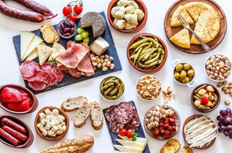 Τι πρέπει να τρώτε το βράδυ για να μην πάρετε κιλά;