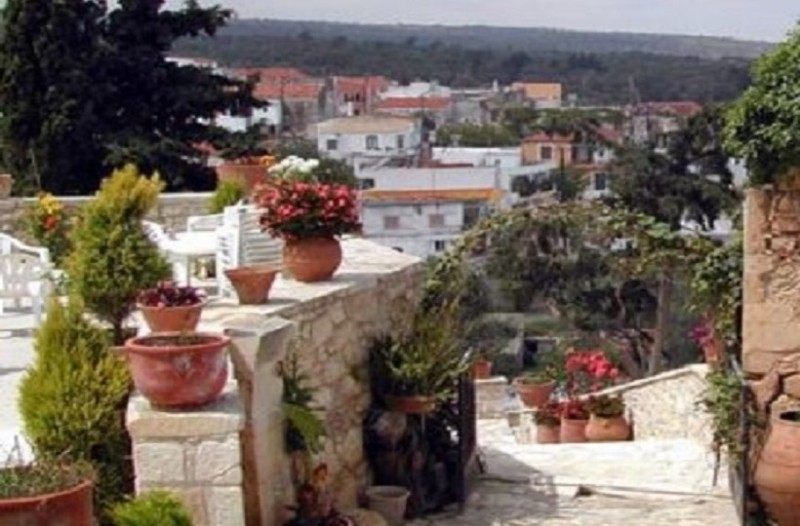 Δείτε τι κάνουν το βράδυ σε χωριό στη Κρήτη και πλουτίζουν!