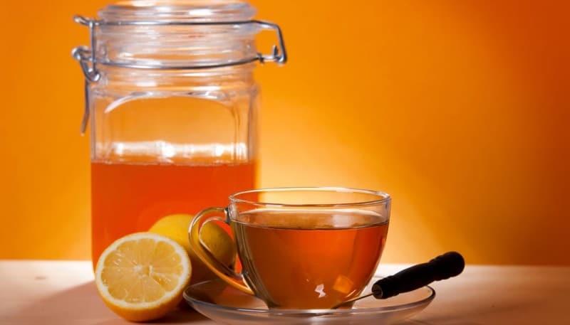 Για έναν χρόνο έπινε κάθε πρωί ένα ποτήρι ζεστό νερό με μέλι και λεμόνι: Δείτε τα αποτελέσματα!