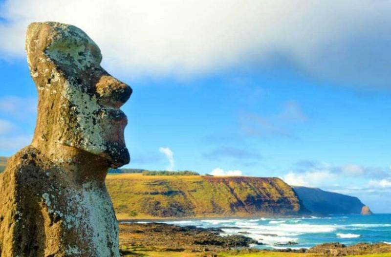 Νησί του Πάσχα: Ένα μαγευτικό μακρινό ταξίδι σε ένα μέρος με... απίστευτο παρελθόν!