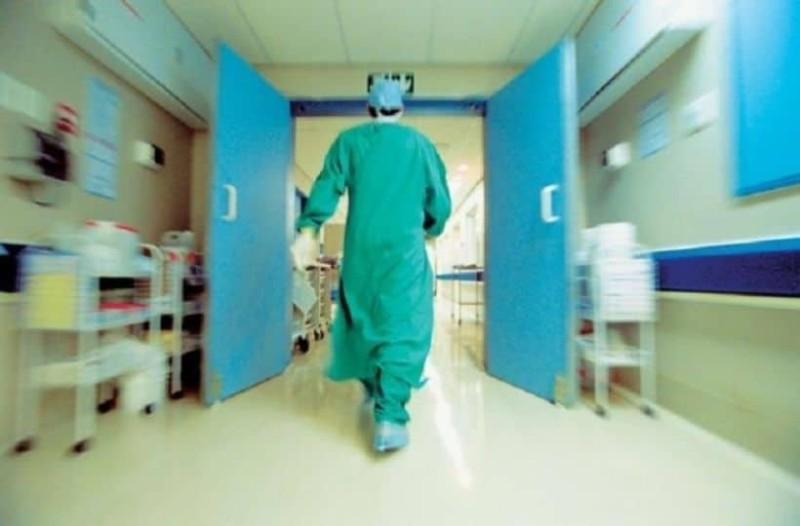 Αγωνία! Στο νοσοκομείο γνωστός Έλληνας ηθοποιός! (photo)
