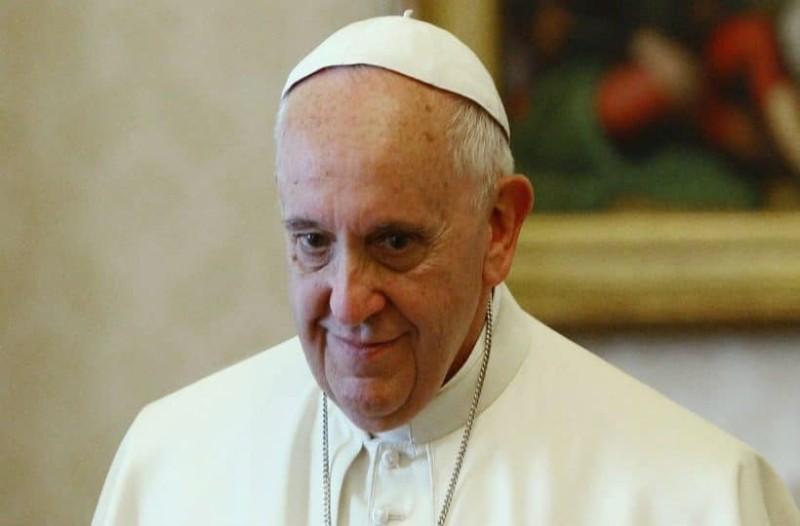 Ο πάπας Φραγκίσκος εγκλωβίστηκε στο ασανσέρ!