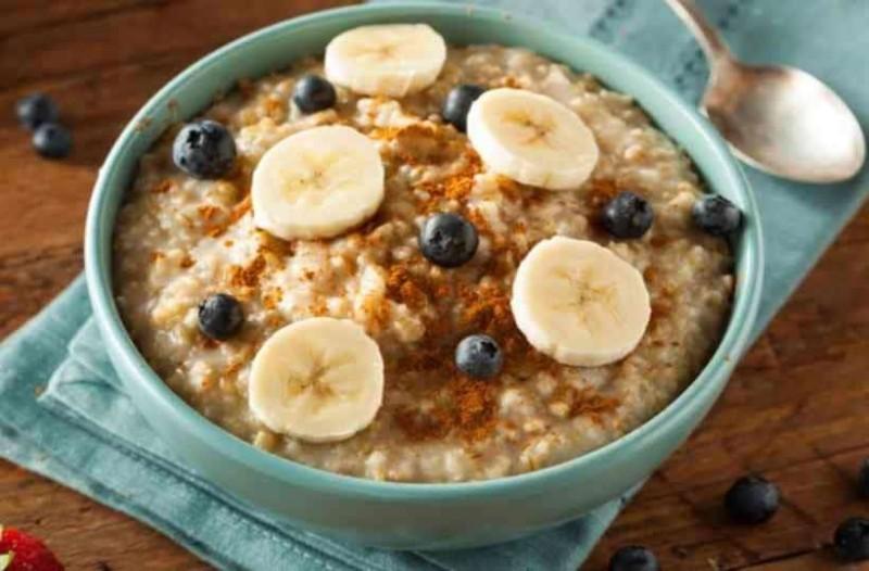 Εύκολο και υγιεινό πρωινό με μπανάνες και βρώμη!