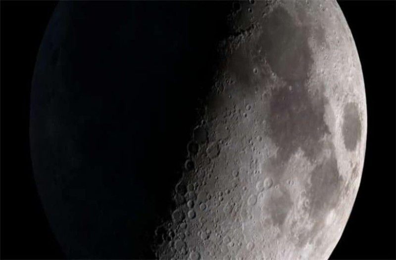 Σελήνη: Γυαλιστερό ζελέ εντοπίστηκε στην