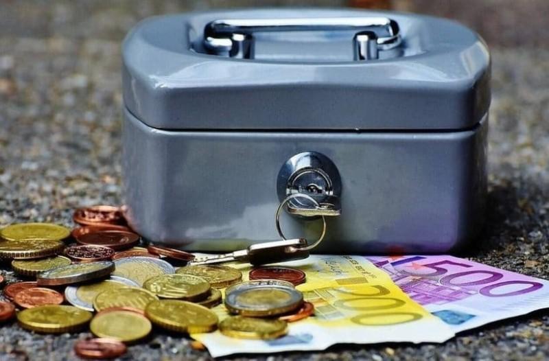 Συντάξεις: Αυξήσεις 3% έως 7% στους συνταξιούχους! Ποιοι επωφελούνται από τις διορθώσεις στο νόμο Κατρούγκαλου; (Video)