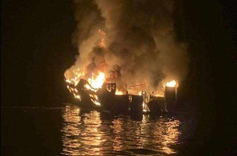 Καλιφόρνια: Κάηκαν ζωντανοί!  25 νεκροί από φωτιά σε σκάφος! (photos-video)