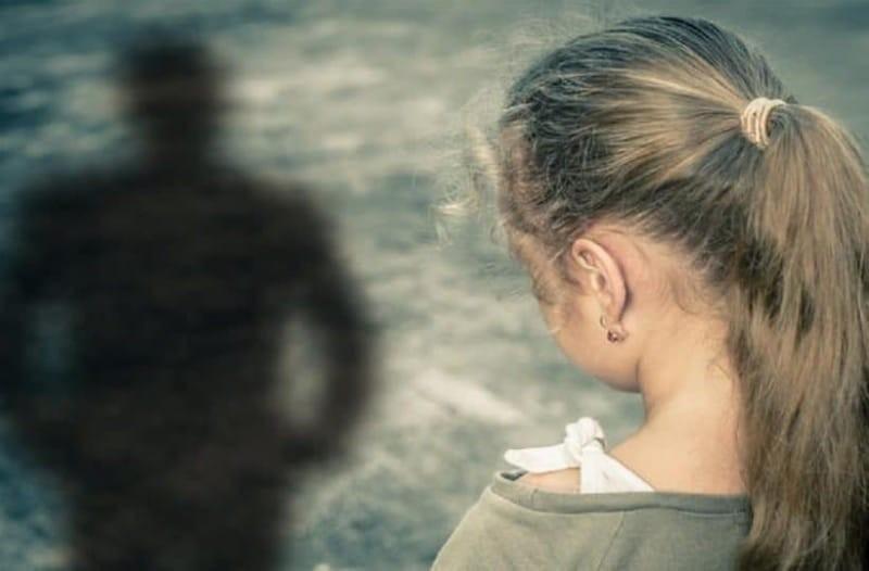 Αδιανόητο: 11χρονος με τα αδέρφια του βίασαν 8χρονη σε τουαλέτες σχολείου!