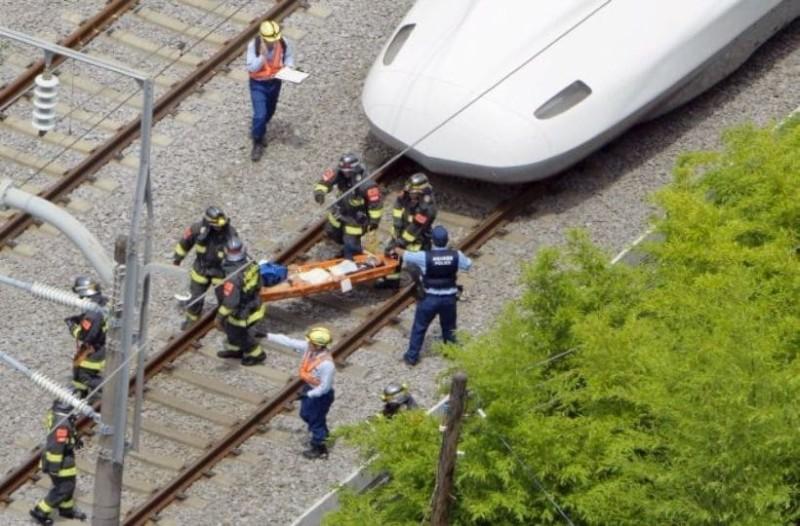 Σοκ: Τρένο συγκρούστηκε με φορτηγό! Στους 30 ανέρχονται οι τραυματίες!